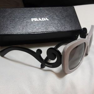 Prada Iconic Swirl Sunglasses Offers Welcome👩‍💻